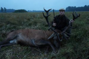 hunting-in-estonia_reddeer